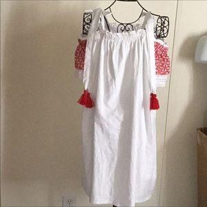 NEW CROWN & IVY DRESS
